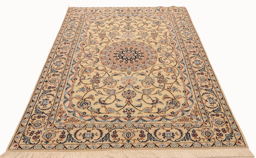 Summer Rugs Nain Persian Wool And Silk Light Colors Calm Pattern