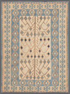 another summer rugs is kilim with light colors and geometrical pattern