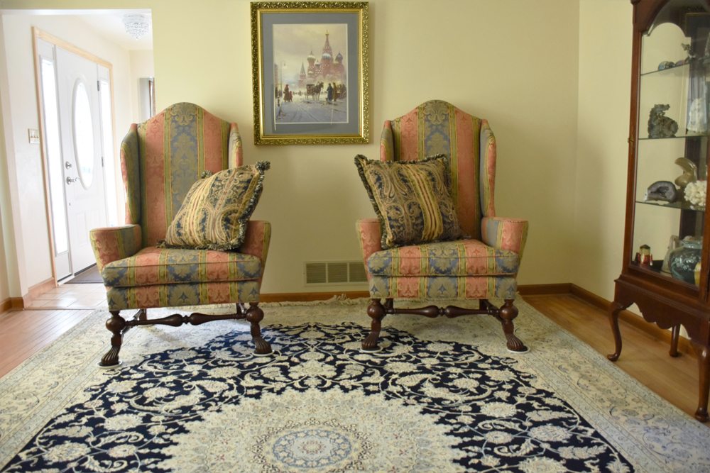 Silk And Wool Nain Rug In the Living Room