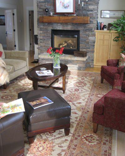 10x14 Peshawar rug in Living room